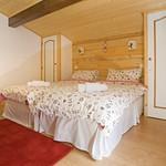 a-bedroom-2c