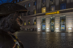 Asmus Bremer (rahe.johannes) Tags: kiel blauestunde architektur kunst commerzbank nacht schleswigholstein spiegelung