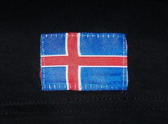 Small Icelandic flag stitched into the bottom of a T-shirt (Will S.) Tags: iceland flag tshirt flags mypics stitched sewn