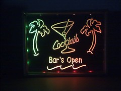 10 Red and green (CabbitCastle) Tags: glass bar diy acrylic glow open drink led engraving dremel plexi