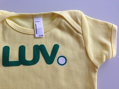 communiTEEZ.com (communiTEEZ) Tags: onesies baby toddler americanapparel liveurvision luv communiteez corazon heart heartofsekses luvizm