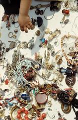 giovani illusioni (joke_edfcrew niccolo') Tags: baby film colore market joke bruxelles jewelry catch flea fleamarket giannini collane giovan