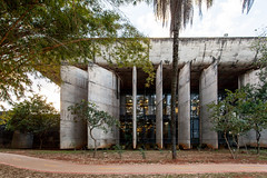 University of Brasilia - Library - (Scott Norsworthy) Tags: light architecture modern concrete bride design soleil university library fin brasilia fins