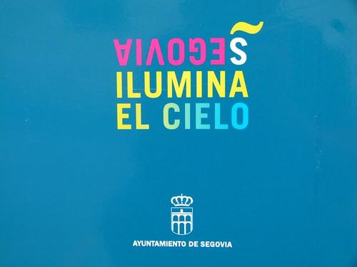 Segovia ilumina el cielo