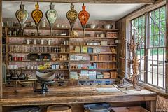 Old Sturbridge Village - Asa Knight Store II (AliAlaz) Tags: usa ma unitedstates massachusetts newengland knight sturbridge oldsturbridgevillage tore asaknightstore nikond7100