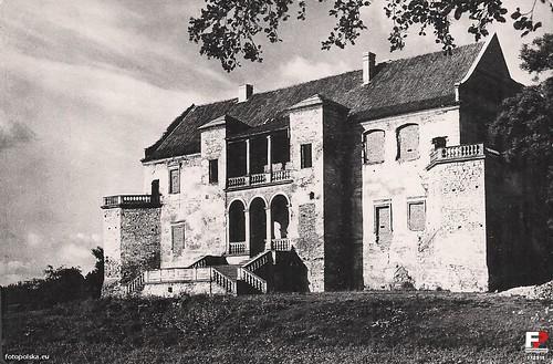 Zamek Szydłowiecki z zamurowanymi oknami, lata 60-te XX wieku (fotopolska.eu)