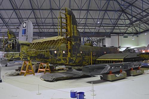 Handley Page Halifax II 'W1048 / TL-S'