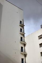 Warmoesstraat (Gerard Stolk (vers la Fête du Roi)) Tags: amsterdam warmoesstraat balcons