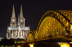 Hohenzollern bridge and Cologne cathedral, Germany (Wend's photography) Tags: longexposure nightphotography bridge church architecture canon river germany lights cathedral cologne koln hohenzollern