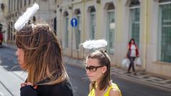 Les anges (JSEBOUVI : 2 millions views !) Tags: street blue red woman portugal sunglasses angel rouge women photographie head lisboa lisbon ange tourist rua rue lunettes anges tte lisbonne cheveux touriste flche touristes jsebouvi