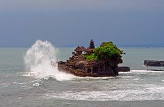 Tanah Lot . The temple in the sea (Uhlenhorst) Tags: 2014 bali indonesia indonesien buildings gebäude landscapes landschaften travel reisen pinnaclephotography