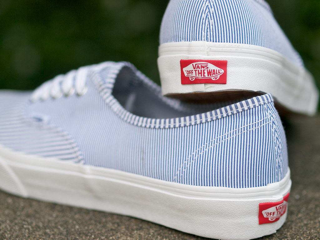 025610fcfe63f8 Vans   Authentic - Multi Stripes (yymkw) Tags  sneaker kicks vans authentic.  Vans   Authentic - Waxed Canvas ...