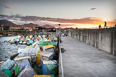 Puerto de Llanes (Asturias) (lvaro San Martn) Tags: sunset sun sol port landscape puerto atardecer asturias paisaje llanes memoria cubos