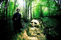 LA MECHANTE SORCIERE DE LA FORET (nARCOTO) Tags: dead skull witch mort