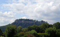 Festung Knigstein (Tino S) Tags: sony cybershot sachsen elbe festung schsischeschweiz elbsandsteingebirge knigstein ebenheit hx50