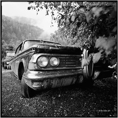 Oilers69_1959 Edsel Ranger_Hasselblad (ksadjina) Tags: 6x6 film analog austria blackwhite scan oldtimer rotten tyrol haiming hasselblad500cm silverfast adoxaph09 nikonsupercoolscan9000ed carlzeissdistagon40mmf14 oiler69