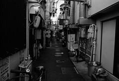 m6_e28_Ektar100 (2) (hiro.nk) Tags: street leica bw white black film apple japan tokyo aperture 28mm ttl m6 asph elmarit plustek opticfilm 8200i