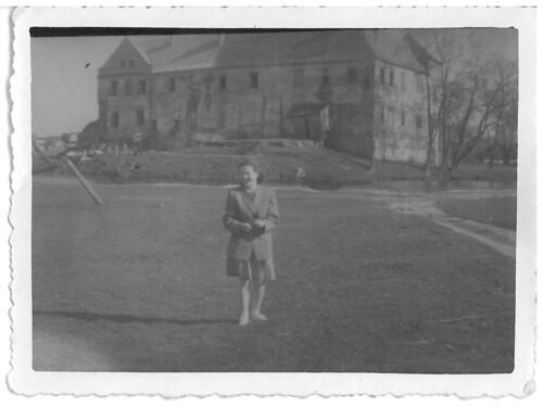 1949r. - w tle zamek szydłowiecki.
