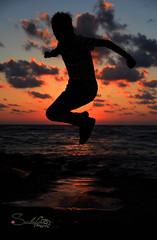 Bye bye summer time (Sulafa) Tags: sunset sea summer sun wave summertime seashore
