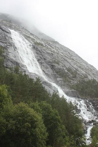 Langfossen Waterfall