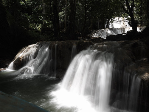Oenesu Waterfall