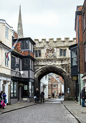 High Street, Salisbury Wiltshire UK (clive_metcalfe) Tags: salisbury highstreet wiltshire uk archway fortress city