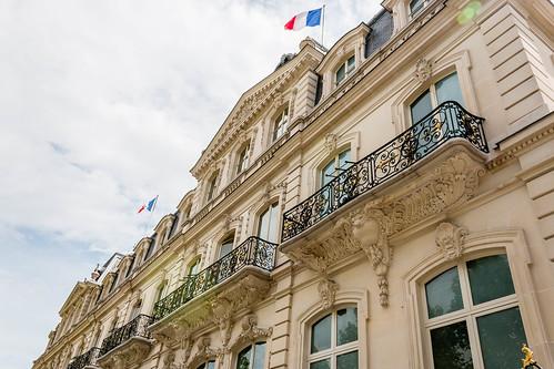 Batoment sur les Champs-Elysées