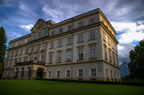 Schloss Dramatic Light