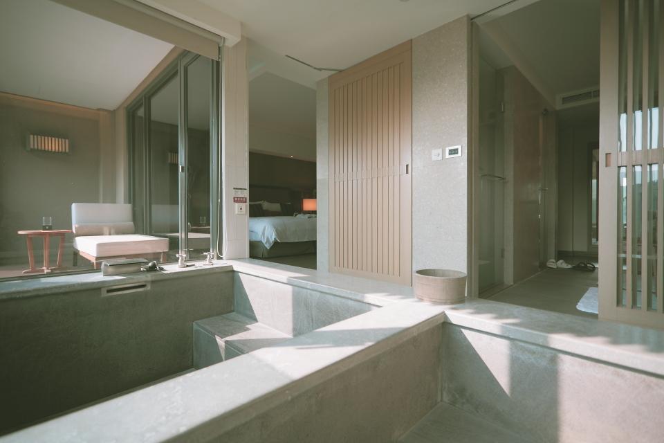 bath007.JPG