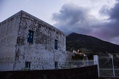 Stromboli (Rcri) Tags: building nature clouds canon island eos volcano islands edificio natura eruption vulcano eolie stromboli isola isole 550d
