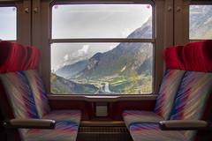Train vers le Châtelard (Nicolas Christe) Tags: voyage train wagon schweiz switzerland suisse transport sbb rhône wallis siège tourisme valais mobilité vallée cff emosson salvan fddm nantdedrance