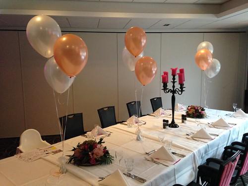 Tafeldecoratie 3ballonnen Zalm Wit Hotel van der Valk Nieuwerkerk aan den IJssel