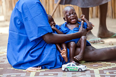 Food crisis in South Sudan (Albert Gonzalez Farran) Tags: food idp irc ocha wfp children clinic displacedpeople displacement famine fooddistribution health humanitarianassistance humanitariancrisis hunger hungry malnourishedchildren malnutrition ganyiel panyijiarcounty southsudan