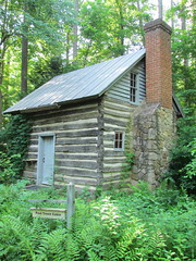 Paul Green Cabin: Botanical Gardens: Chapel Hill, North Carolina (NC) (Floyd Muad'Dib) Tags: green gardens garden botanical paul nc cabin hill north northcarolina chapel carolina botanicalgardens botanicalgarden cabins chapelhillnorthcarolina paulgreen chapelhillnc