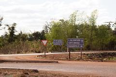 af1407_9240 (Adriana Füchter) Tags: road street travel cidade brasil word estrada viagem letras placas distrito palavras tocantins marianopolis