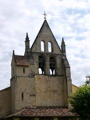 Saint-Lger-de-Balson, Gironde: les 2 cloches. (Marie-Hlne Cingal) Tags: france church bells twins 33 iglesia chiesa glise kerk sudouest aquitaine gironde cloches saintlgerdebalson twozweideuxduedva2