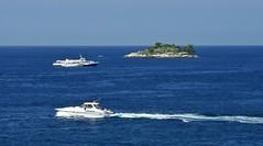U ostrova Banjol v Jaderském moři (Libor59) Tags: sea island croatia rovinj adriatic jadran ostrov chorvatsko mořev