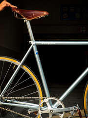 F5 Pista Custom : Steel Blue (Factory Five) Tags: china blue classic leather bike bicycle factory shanghai 5 five steel gear retro fixed fixie pista brooks nitto lugged webuildweride