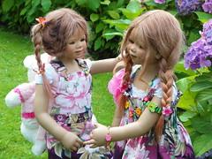 Anne-Moni und Tivi ... (Kindergartenkinder) Tags: dolls annette wasserburg burg tivi hülshoff havixbeck himstedt annemoni kindergartenkinder