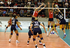 4302_RVaradi (Robi33) Tags: game girl sport ball switzerland championship team women action basel tournament match network volleyball block volley referees viewers