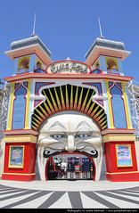 Luna Park, Melbourne, Australia (JH_1982) Tags: park st fun clown entrance australia melbourne fair victoria luna vic australien attraction kilda australie austrália 澳大利亚 墨尔本 australië オーストラリア メルボルン мельбурн австралия 멜버른 빅토리아 주 виктория ビクトリア州 維多利亞州 मेलबॉर्न विक्टोरिया
