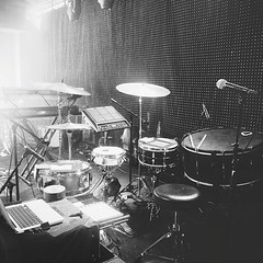 @derekgtaylor and his unique set up. Love the integration of electronic and acoustic drums! #regram #qdrumco #derekgtaylor #BANKS