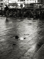 20140926_07_Rain Marunouchi (foxfoto_archives) Tags: white black monochrome rain japan night photoshop 35mm canon eos tokyo blackwhite kiss f14 sigma snap adobe and 日本 東京 56 dg marunouchi lightroom 夜 x7 モノクロ 白黒 雨 丸の内 丸ノ内 スナップ モノクローム hsm a012