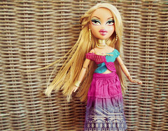 🌏 'Cause this is Africa 🌏 (Bratzjaderox™) Tags: african tribal fashion fierce colourful bratz fianna wild west slay makeup neon dolls barbie monster ever after high dolly people toys mattel mga mgae bohemian boho