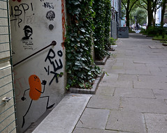 HH-Streetart Miscellaneous 1544 (cmdpirx) Tags: street blue urban orange color colour art public dave ink painting fun graffiti nikon paint artist chimp 7100 d space raum character kunst strasse tag hamburg humor can bean brush spray crew vandalism marker hh stick aerosol tagging farbe slogans knstler spruch sprche ffentlicher