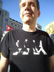 ABDICACIN REY - cine (Fotos de Camisetas de SANTI OCHOA) Tags: beatles parodia cinelaguerradelasgalaxias