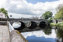 Mathew Bridge joins Georges Quay to Charlottes Quay in Limerick (infomatique) Tags: ireland europe limerick limerickcity streetsphotography williammurphy infomatique streetsofireland streetsoflimerick bridgesinfomatique