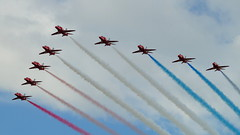 Red Arrows (amyyoungphotography) Tags: plane redarrows
