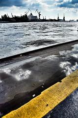Von den Landungsbrücken auf die Docks