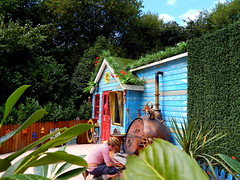 50 Top Photos - Mr Blooms Allotment (ThemeParkMedia) Tags: family mr towers bbc merlin land childrens shows rides blooms allotment alton attraction attractions cbeebies entertainments